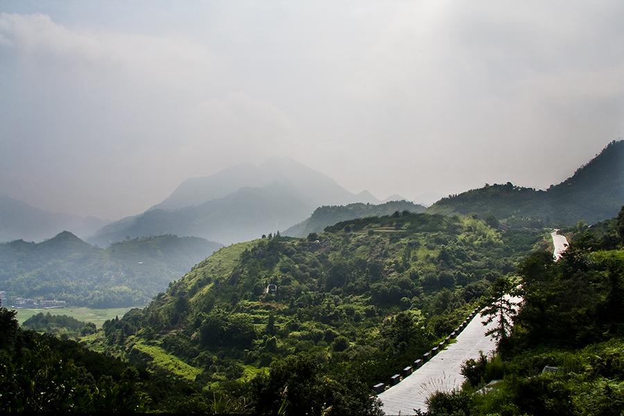 巴巴莊園坐落于溫州永嘉縣上塘鎮峙口村涂山,是一個集休閑度假,家庭